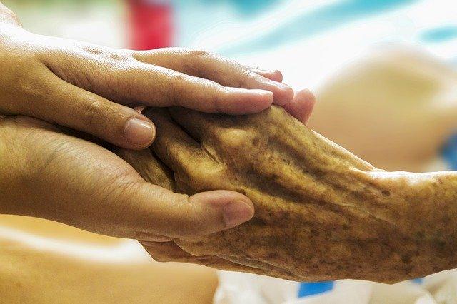 Opiekun osób starszych za granicą